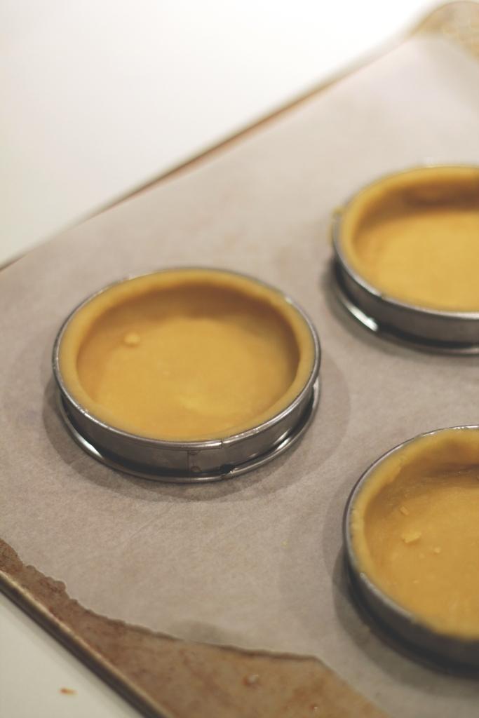tart rings on tray