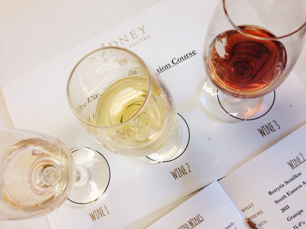 Last flights: sweet and fortified wines, matched with a strawberry and blue cheese.