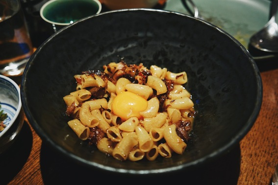Macaroni with pig's head and chilli